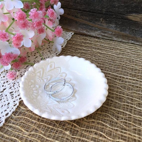 Alternative zum Ringkissen personalisiertes Keramikschälchen